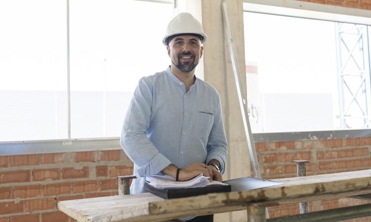Wir interviewen Manuel Enríquez, Architekt, Autor des Projekts der neun Hauptquartiere von Focke Meler
